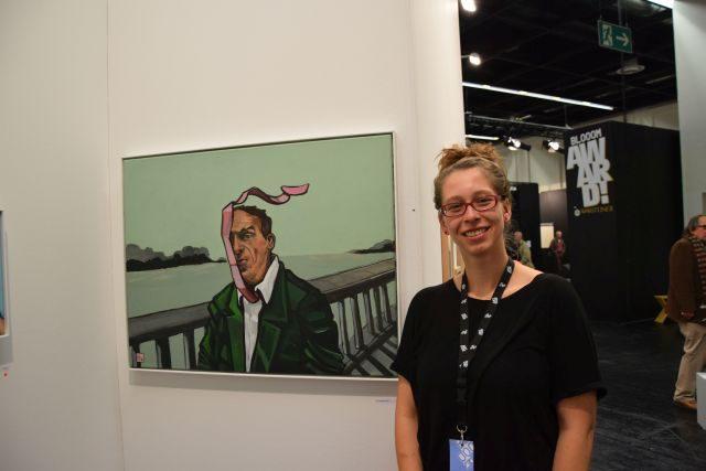 Dorothea Hertel mit Krawatte im Wind