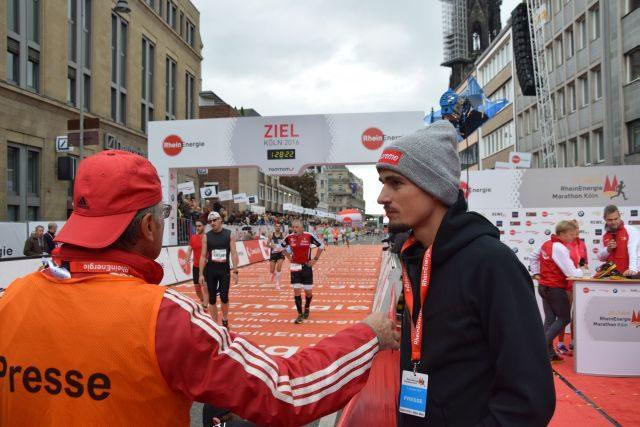 Hendrik Pfeiffer der im letztem Jahr den Halbmarathon souverän in einer Weltklasse Zeit von ca. 1:03:40. gewonnnen hat