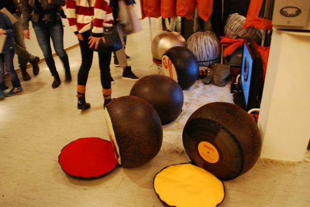 lojoball, multifunktionaler Sitz- un Hüpfball für die Kleinen