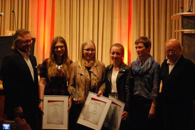 Carina Kalb (links), Anne Neumann (Schwester von der eigentlichen Gewinnerin Lisa, die momentan in Kanada weilt- mittig) und Katharina Rettich (rechts).
