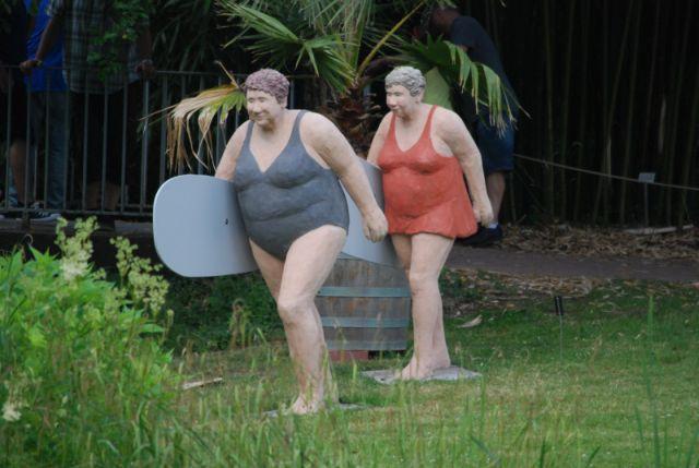 obwohl man ja heute den ein oder anderen Rasen durchaus betreten durfte, waren einige Damen völlig aus dem Häuschen und wollten sogar schwimmen gehen ;-)