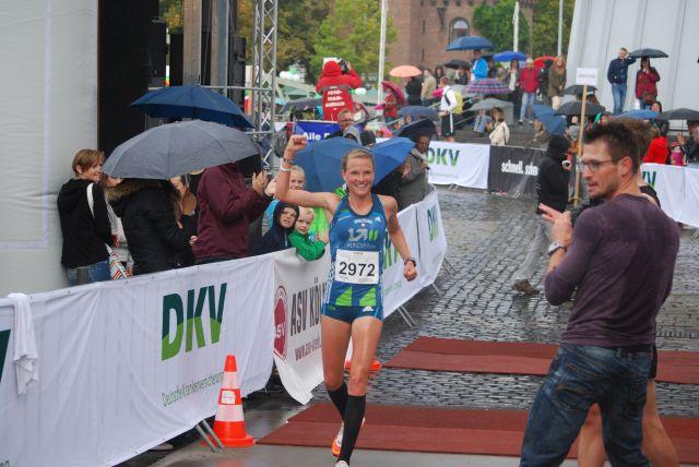 Lisa Hahner, . der Frauen und Vierte des Gesamtlaufes mit 54:42
