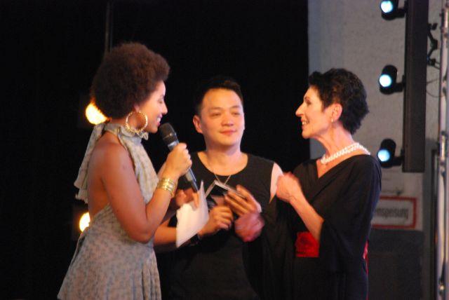 Hon-Tai Shiau mit Sängerin und Erika Berger