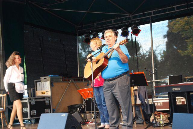 Er sang außer Konkurenz ein Krätzchen : Hänsel und Gretel op Kölsch und Sohn und Enkel waren gerührt!