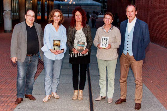 Die Jury mit der Shortlist zum Crime Cologne Award, bestehend aus Orkun Ertener, Antje Deistler, Gisa Klönne, Margarete von Schwarzkopf und Klaus Bittner